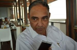 Policías reviran contra Esteva Salinas