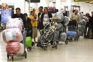 Cuba restringe algunos bienes en equipaje de viajeros