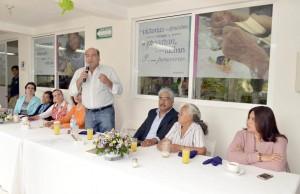 Municipio capitalino fortalece su compromiso con los adultos mayores; convive Villacaña con usuarios de la Casa de Día