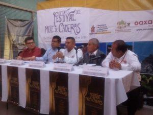 Gana Puebla batalla en promoción de Mole de Caderas a Oaxaca