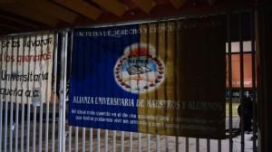Toman C.U en apoyo a normalistas de Ayotzinapa