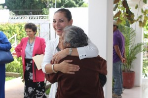 """Se reúne Verónica Quevedo con el grupo de danza """"Amistad"""""""