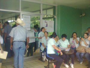 Continúa paro de labores en unidades médicas del IMSS