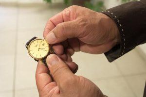 Este domingo concluye Horario de Verano, los relojes se atrasarán una hora