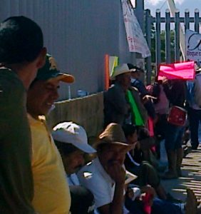 Habitantes de Zaachila toman Ciudad Judicial para demandar obras