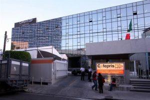 Investigan obra irregular en Cofepris