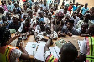 Extiende Nigeria elecciones tras ataques
