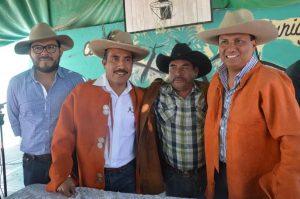Gestiona Samuel Gurrión recursos para el sector mezcalero de Oaxaca