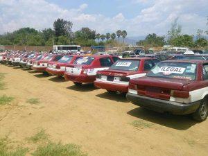 Detienen a taxis piratas de la CROC; líder pide actuar conforme a derecho