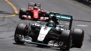 Regala Mercedes triunfo a Rosberg