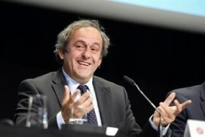 Se postula Platini para dirigir FIFA