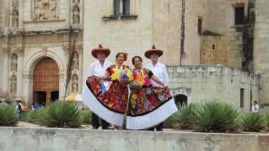 """Presenta la Compañía de Danza Regional Armonía la """"Guelaguetza"""""""