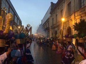 Con Convite, Oaxaqueños anuncian el inicio de la Guelaguetza 2015