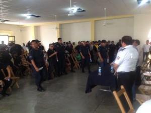 Policías municipales presionan con demandas al edil de Juchitán