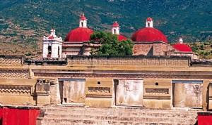 Mitla, lugar místico con grandes atractivos arqueológicos y naturales