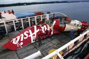 Provoca falla caída de avión de AirAsia
