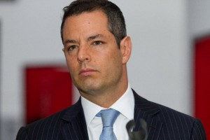 Del Zócalo a los Pinos: Raúl Castellanos