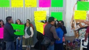 Continuarán ex trabajadores de la CDI en plantón