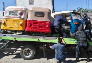 Policía Vial retira de circulación mototaxis irregulares
