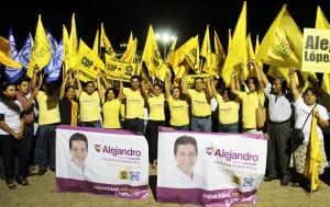 Con gran éxito Alejandro López Jarquín arranca campaña en Santa Cruz Xoxotlán