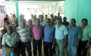 Productivo encuentro de Carol con maestros jubilados de Salina Cruz