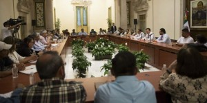 La Secretaría de Gobernación pide levantar bloqueos para continuar el diálogo con la CNTE