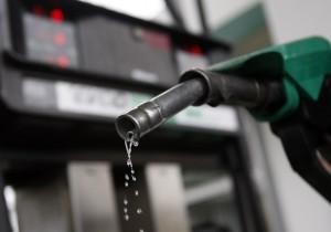 Gobierno otorga 402 permisos de importación de gasolinas en 2016
