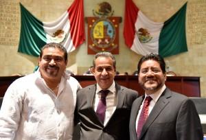 Dan diputados del PAN voto de  confianza a Gerardo Henestroza