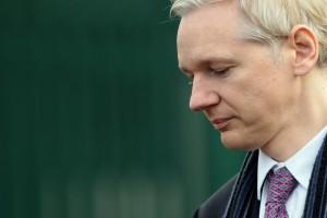 Fiscalía de Ecuador permitirá que Suecia interrogue a Assange: cancillería