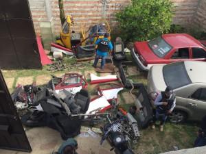 Fiscalía catea centro de desmantelamiento de vehículos robados en San Agustín de las Juntas