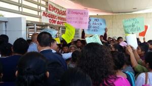 toman-accesos-en-ciudad-administrativa-para-exigir-devolucion-de-escuela-en-xoxo