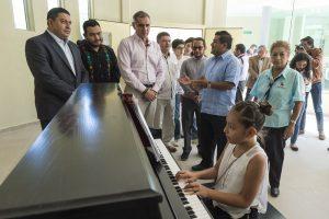 Entrega Gabino Cué Centro de Iniciación Musical al Pueblo de Oaxaca