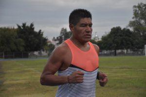 Elías Cortés, el triatleta con alma rebelde