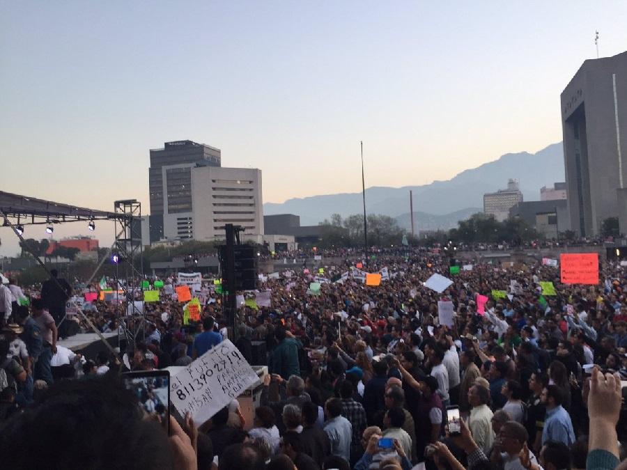 """La Coyuntura; Se le pusieron """"broncos"""" al Bronco: Francisco J. Sánchez"""