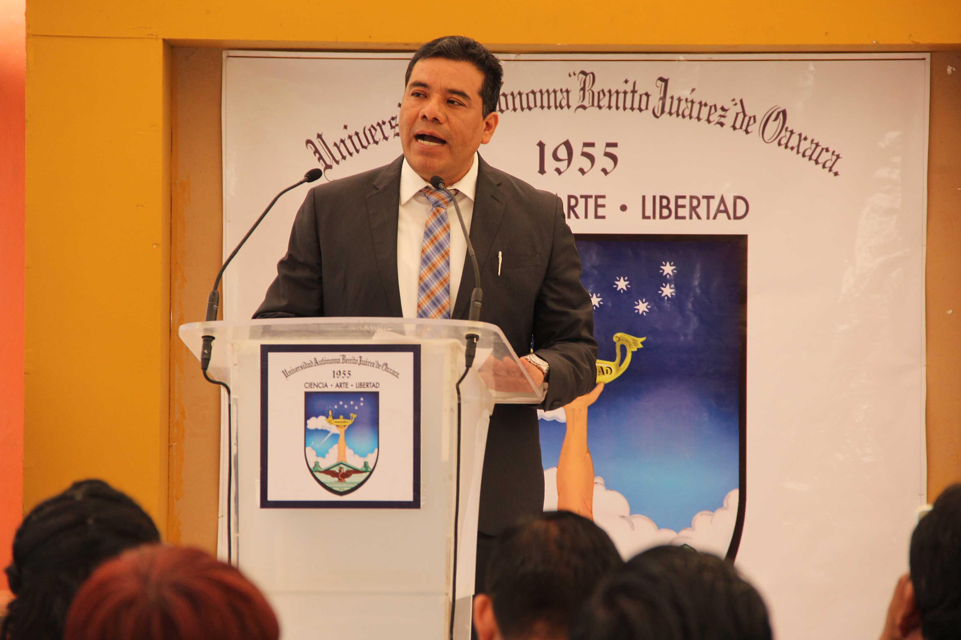 Presupuesto de UABJO depende del Estado y la Federación: Rector