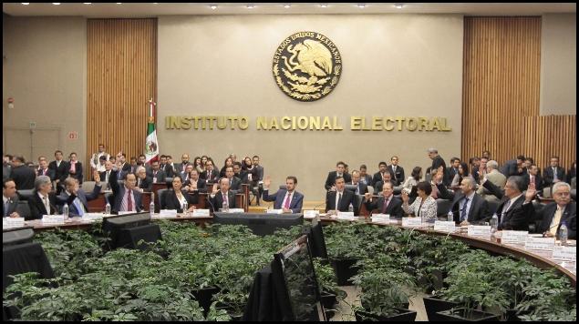 Funcionarios del INE reducirán 10% sus salarios: Arturo Sánchez.
