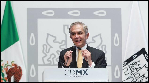 Mancera interpone amparo contra precio desigual de gasolinas CDMX.