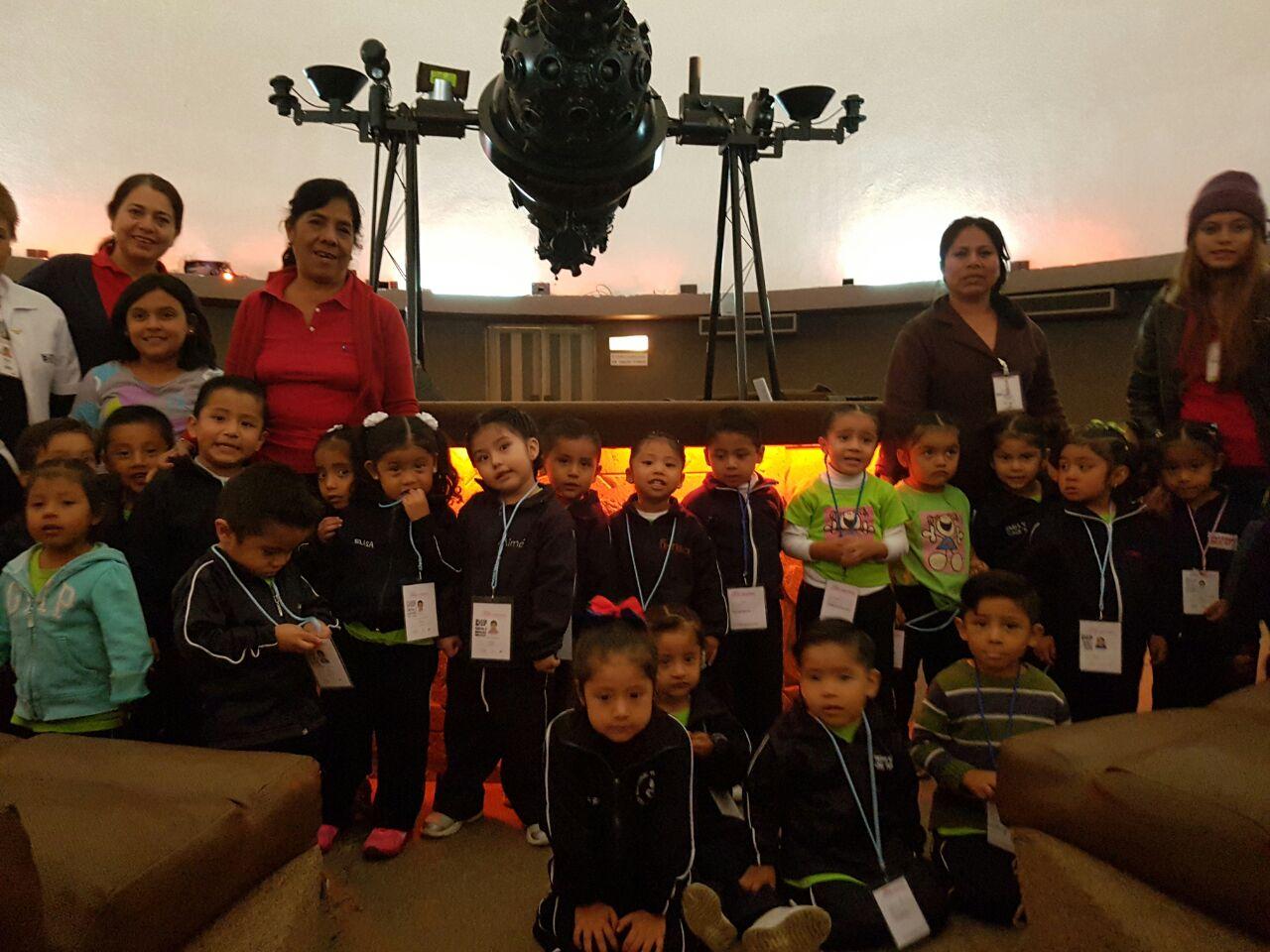 """Estudiantes oaxaqueños disfrutan de proyecciones astronómicas en Planetario """"Nundehui"""""""