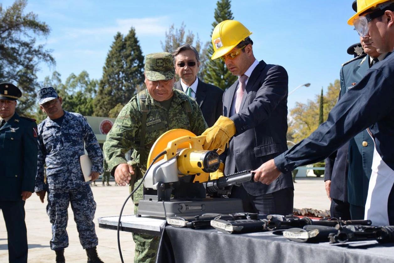 Encabeza Gobernador Murat la destrucción de 752 armas de fuego aseguradas por la Sedena