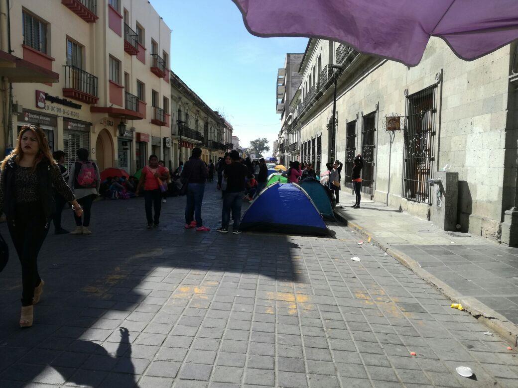 Normalistas accionan en la capital
