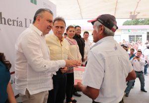 Veracruz agradece a EPN apoyo social a través de Liconsa: Yunes