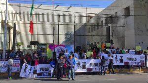 """""""Clausuran"""" SAT por gasolinazo; piden a Meade que renuncie si no puede"""