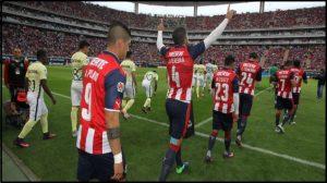Chivas vence 1-0 al América en el clásico nacional