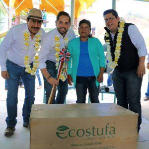 Entrega Sedesoh  estufas ecológicas a familias de  San Miguel Peras
