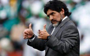 Maradona reafirma reconciliación con la FIFA al ser nombrado como embajador