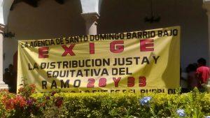 Pobladores de Santo Domingo Barrio Bajo toma palacio de Etla