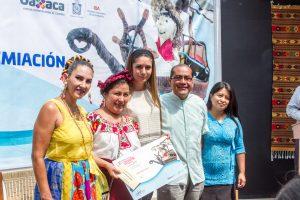 Premian a creadores populares del 6º Certamen del Juguete Popular Oaxaqueño 2017