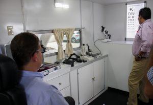 Entrega Secretaría de Administración Unidades Móviles  a DIF Oaxaca