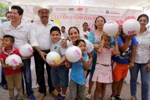 Entrega DIF Oaxaca más de 500 juguetes en San Pedro Mixtepec
