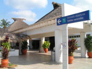 Comuneros de Huatulco bloquearán frente al Aeropuerto